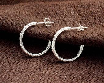 1 pair of 925 Sterling Silver Hammered Hoop Earrings 2x20 mm.  :er1132