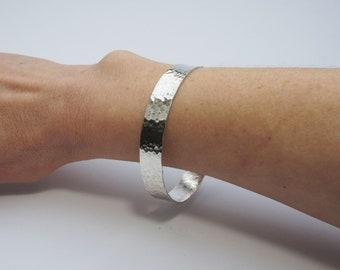 98ebae14e25 Wide Silver Hammered Bangle / Sterling silver 925 / statement piece / solid  bracelet / birthday / chunky bangle / 40th / textured bangle