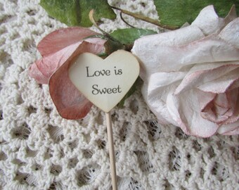Love is Sweet heart cupcake toppers / CUPCAKE TOPPER / Vintage Inspired / Wedding / Bridal Shower / Decoration