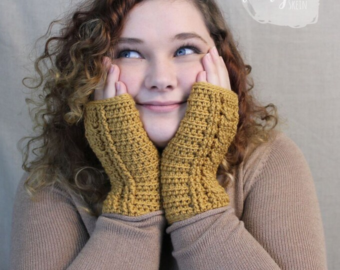 Cabled Crochet Wristers / Fingerless Gloves / Wrist Warmers / CAMILLE WRISTERS