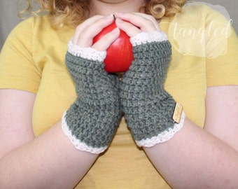 Ruffled Crochet Wristers / Fingerless Gloves / Wrist Warmers / RUTH WRISTERS