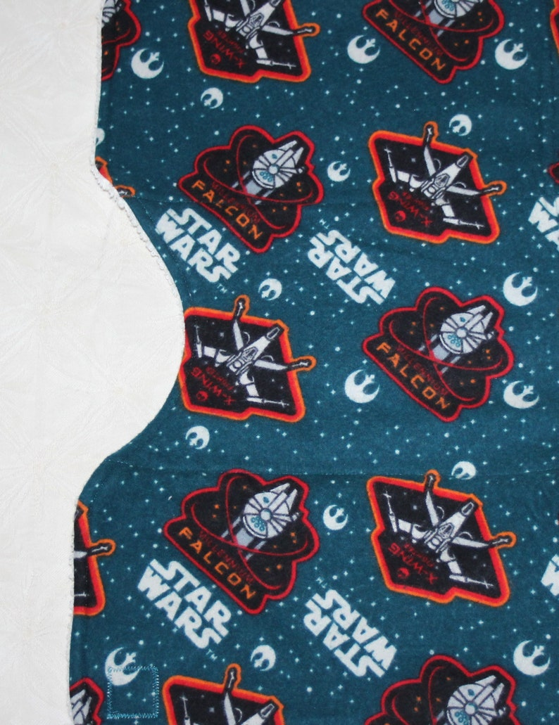 Star Wars Baby Drool Bandana Bib /& Star Wars Burp Cloth with Star Wars Flannel Terry Cloth Lining for Star Wars Baby Boy or Girl Star Wars