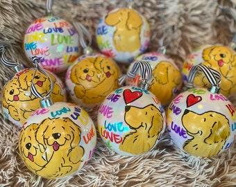"Golden Retriever 4"" shatterproof graffiti LOVE ornament"