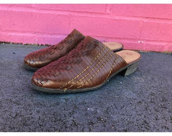 Vintage 90s Woven Leather Slip on Minimalist Mules- Size 7.5