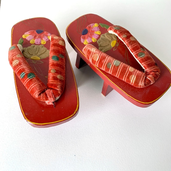 """1940s Japanese Sandals Lacquered Geta, 6 1/2"""" Wood"""