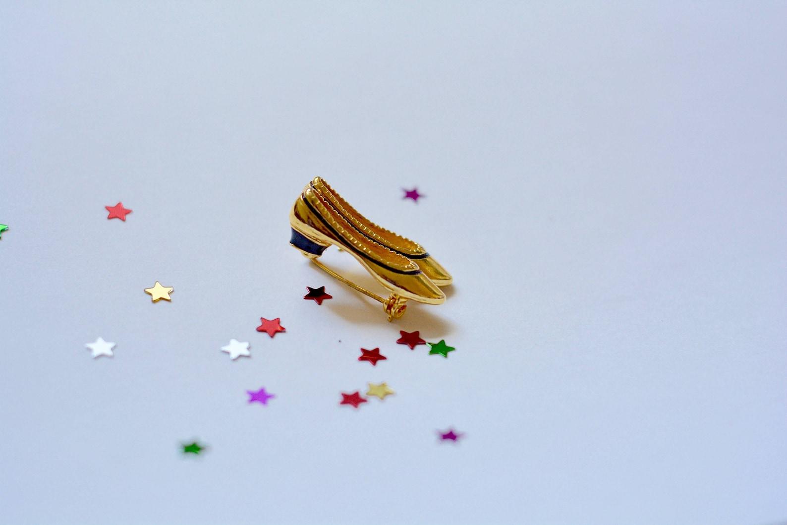 1990s | flavio gatto heeled ballet flat pin