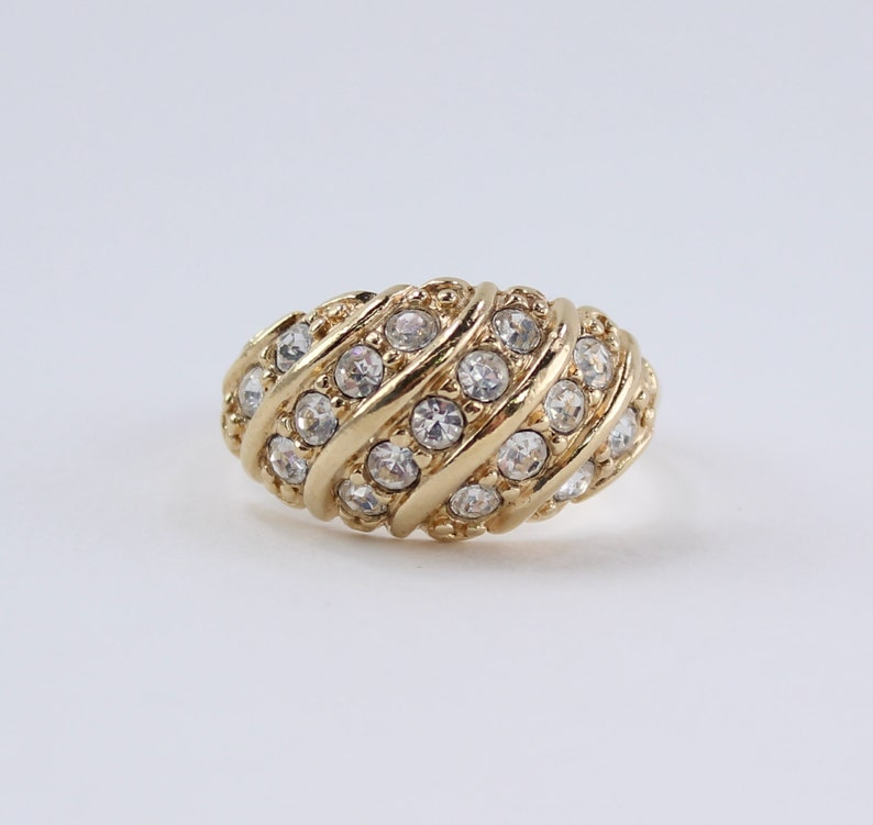 Vintage 1992 Avon Hollywood Style Size 10.25 Gold Tone Crystal Diagonal Row Swirl Rhinestone Chunky Domed Statement Ring