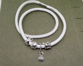 Cat's Meow Charm Bracelet Sterling Silver Beads Beige Leather Stainless Steel Magnetic Clasp
