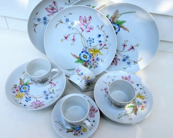 Vintage Stafford Japan | 1980s Stafford Porcelain | Set of China | Meadow Flowers | 5 Piece Place Setting for 4 – 20 Pieces | New Old Stock