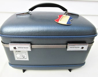 Vintage Traincase | American Tourister Luggage | Train Case with Key | Makeup Case | Blue Gray Travel Case | Cosmetics Case | 1970s Luggage