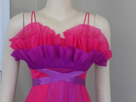 Vintage Rare Crystal Pleated Chiffon Vanity Fair Night Gown  d54a7eba3