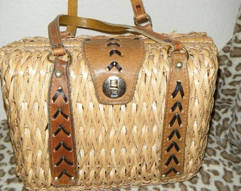 Vintage Cutie Wicker Basket Purse