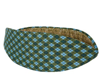 Cat Canoe - Lodge Look Pet Bed in Blue and Green Plaid