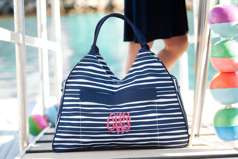 Embroidered Bikini Wet Bag Gift for Her Personalized Family Beach Tote Bag Custom Bridesmaid Gift Large Pool Bag Summer Clutch Wristlet