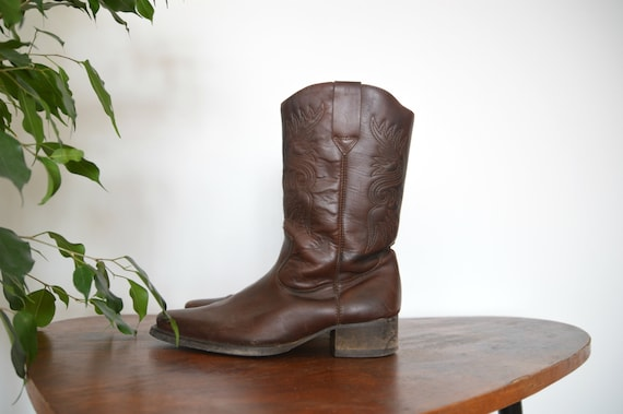 Vintage Square Toe Boots Classic Cowboy Dark Brown Tooled Leather Western Cowboy 1970s Heel Boots EU 43 US 9 Men