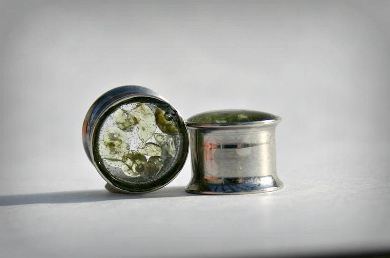 Peridot stones-Ear Plugs-Stainless steel gauges Double Flared-Single Flared-Screw-on-Ear Gauge