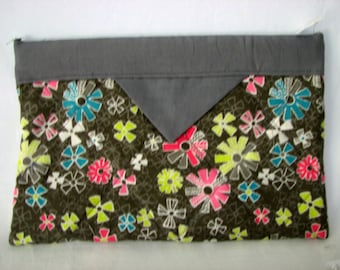 Snap Bag / pouch / cosmetic case / pencil case - Gray w/ brightFlowers