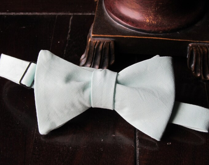 Mens Light Mint Bow tie, Mens Bow tie, Freestyle Mens Bow tie, Wedding Bow ties