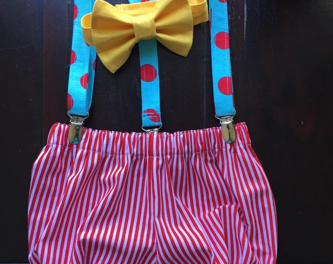 Circus Themed First Birthday Set handmade by TwoLCreations. Bow tie, Suspenders and Diaper Cover