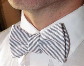 Freestyle Seersucker Bow tie, Men's Adjustable Self-Tie Bow tie in Seersucker Fabric Handmade by TwoLCreations