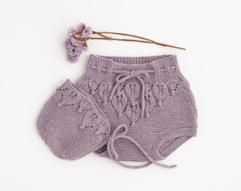 Wool baby set, bloomers and bonnet. Organic merino wool. Mauve. 0-3 months.