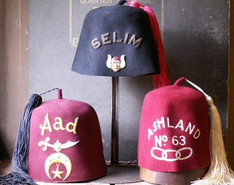 Vintage Red Felt Odd Fellows Fez - Men's Fraternal Club Hat - Ashland No. 63 - Wisconsin Souvenir
