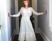 1900 Vintage Edwardian Victorian White Cotton Skirt eyelet lace med.