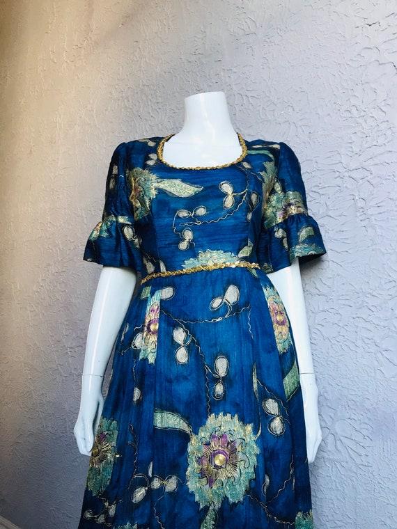 60's/70's Vintage Blue Metallic Embroidered Silk E
