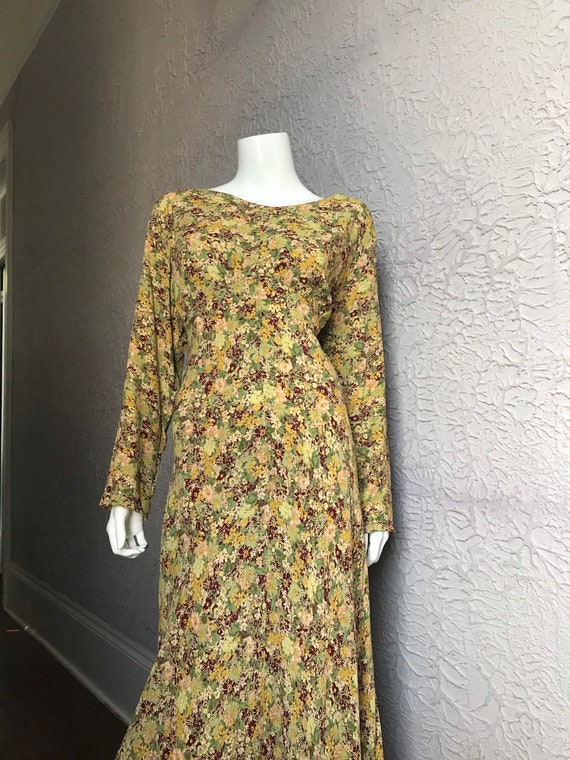 80's/90's Vintage Street Life Rayon Floral 30's Dr