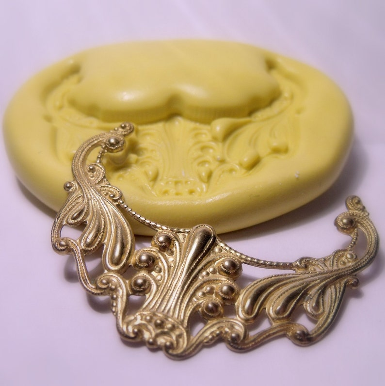 flexible silicone push mold  craft dessert mini food  soap mold resinjewelry and more. large victorian corner mold