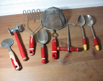 Delicieux 8 Vintage Kitchen Utensils Red Wooden Handles, Farmhouse Kitchen UT051
