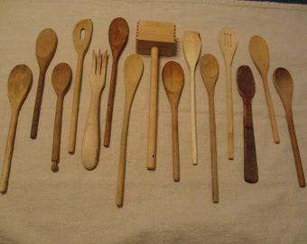 15 Vintage Wooden Spoons, Wooden Utensils, Primitive, Rustic Home Decor, Photography Prop, Staging, Utensil Set #02