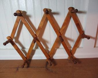 Vintage Accordian Folding Wooden Mug Rack, 10 Peg Rack, Jewelry Rack, Japan  MR200