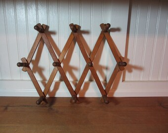 Vintage Accordian Folding Wooden Mug Rack, 10 Peg Rack, Jewelry Rack