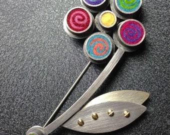 Gerber Daisy Brooch in Multicolor Spirals