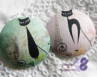 2 buttons on the fabric, cats, 22 mm / 0.86 in