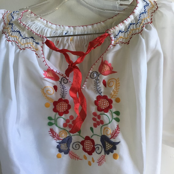 vintage hand embroidered Hungarian blouse - image 2