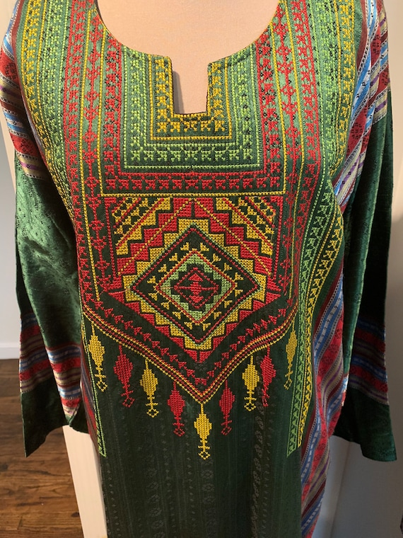 Vintage Emerald Green Embroidered Caftan
