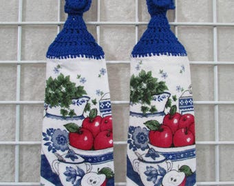 Pair of Apple Bowl Button-On Hanging Towels