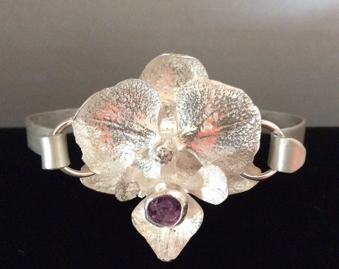 Orchid bracelet with Amethyst stone