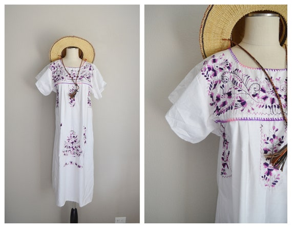 embroidered mexican dress - medium