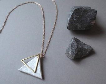 Wey - Long Clay & Gold Brass Triangle Necklace; Sculptural Modern Minimalist Contemporary (Collier Géo; Dreieckhalskette) by InfinEight