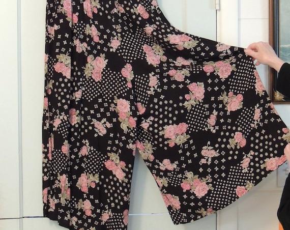Vintage 70s-80s Fritzi Plus Wide Leg Boho Floral Palazzo Pants.. Black W Pink Roses.. Size 1X