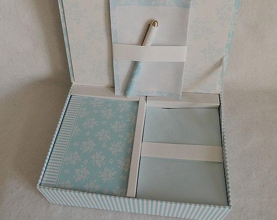 Vintage Stationery Set.. Keepsake Box, Paper, Envelopes, Journal & Pen