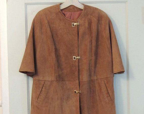 Suede Buckskin Leather Cape Fashion Poncho Jacket.. Vintage 1960s-70s.. Medium