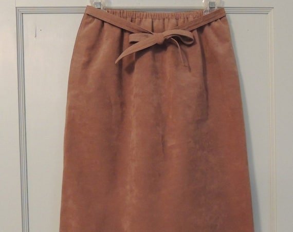 Ultrasuede Skirt Womens Pet Size 6.. Vintage 70s-80s.. Camel Color