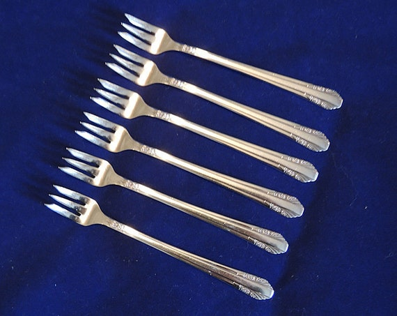 6 Rogers & Bro. IS Silverplate Cocktail Forks..1938 Rosalind Pattern.. Art Deco