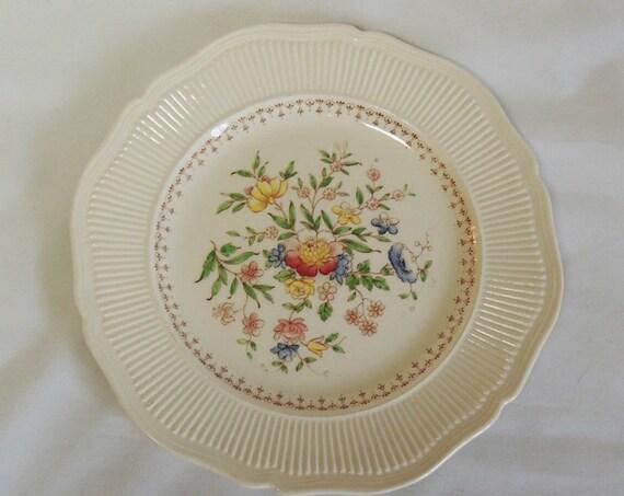 "Royal Doulton 8.5"" Salad / Dessert Plate.. The Medford Pattern.. England"