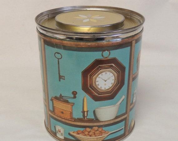 Vintage P & G Mid Century Shortening can / Tin.. Cottagecore Photo Decoration Prop