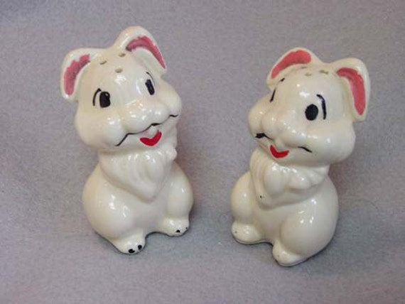 Vintage Walt Disney Productions THUMPER Salt & Pepper Shakers.. Ceramic Pottery